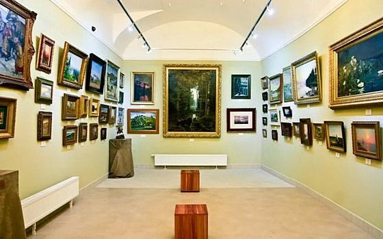 Купить картину в выставочном зале