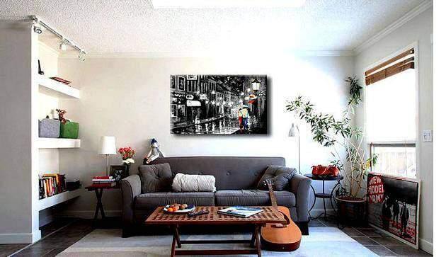 Картина в интерьере гостиной комнаты