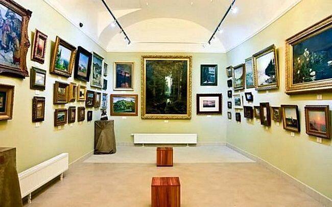 Купить картину для интерьера в выставочном зале