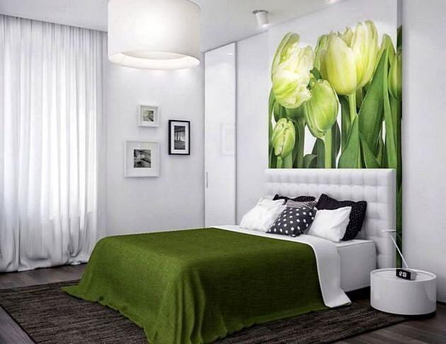 Постер в интерьере спальни