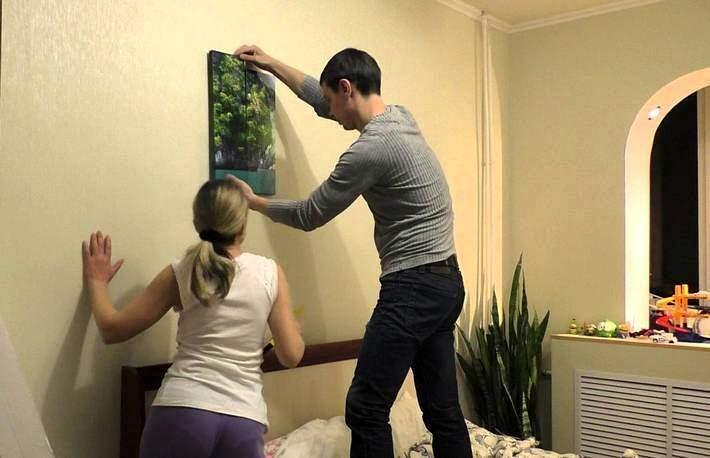 Как повесить модульную картину на стену