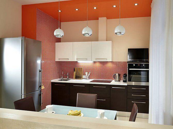 Светильники в разных зонах кухни
