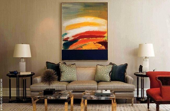 Интерьерные картины в гостиной