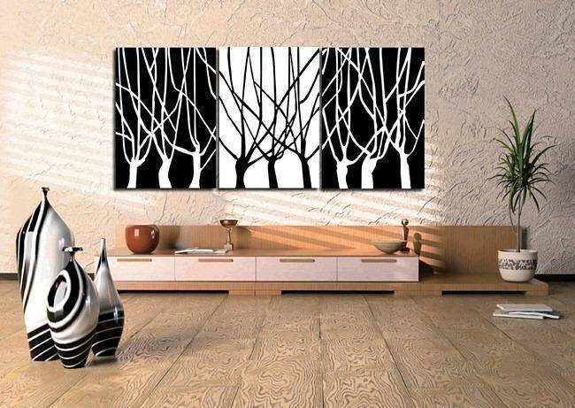 Черно-белая модульная картина в интерьере