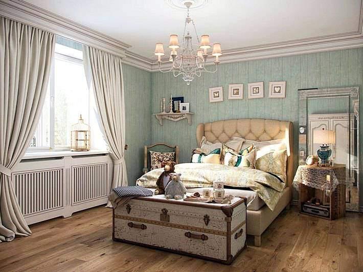 Спальня с зелеными обоями в стиле прованс
