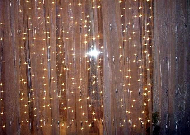 Гирлянда в виде дождика на окно