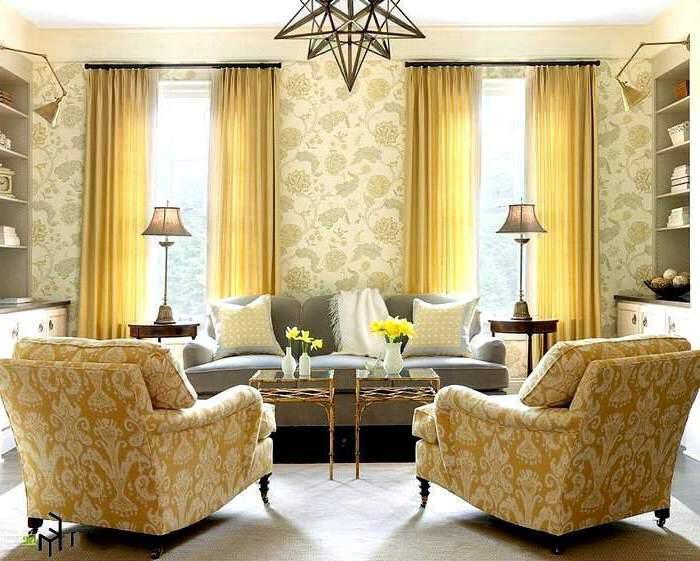 Цвет штор соответствует цвету мебели и обоев