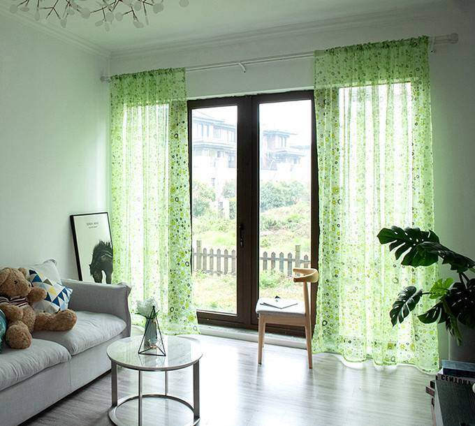 Современные зеленые шторы для зала