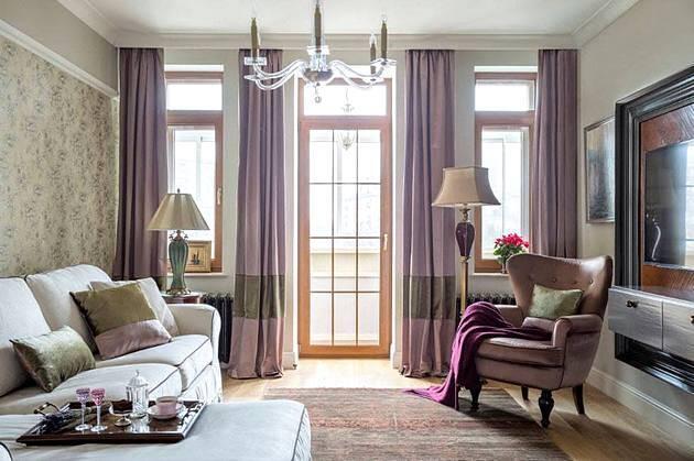 Шторы цвета Cassis в гостиной