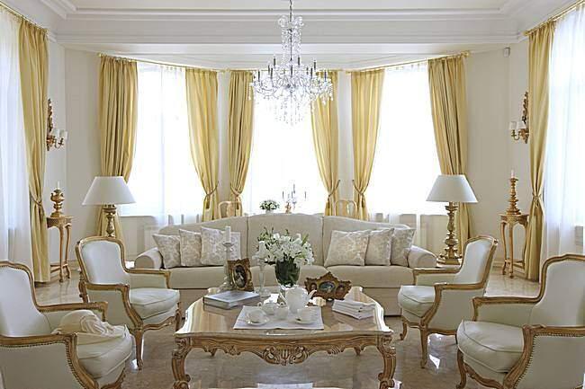 Классические шторы для зала в современном стиле