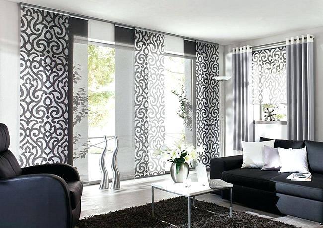Черно-белые японские шторы в гостиной