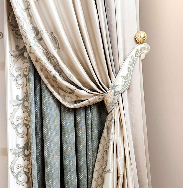 Подхват для итальянской шторы