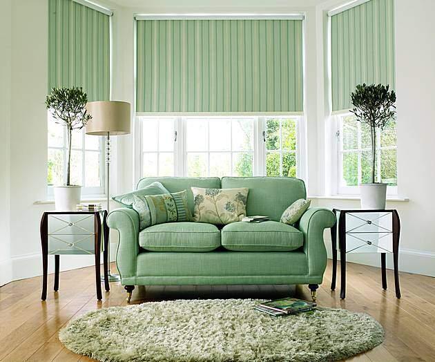 Современные шторы для зала мятного цвета