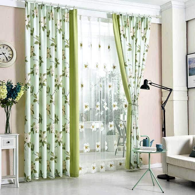Светло-зеленые шторы для зала