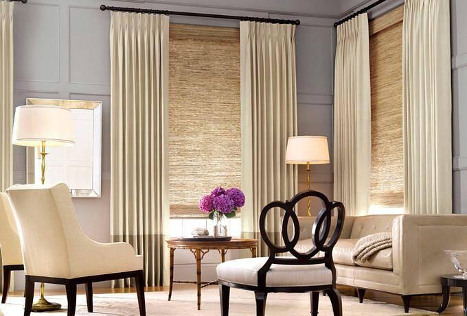 Сочетание двух типов штор в гостиной