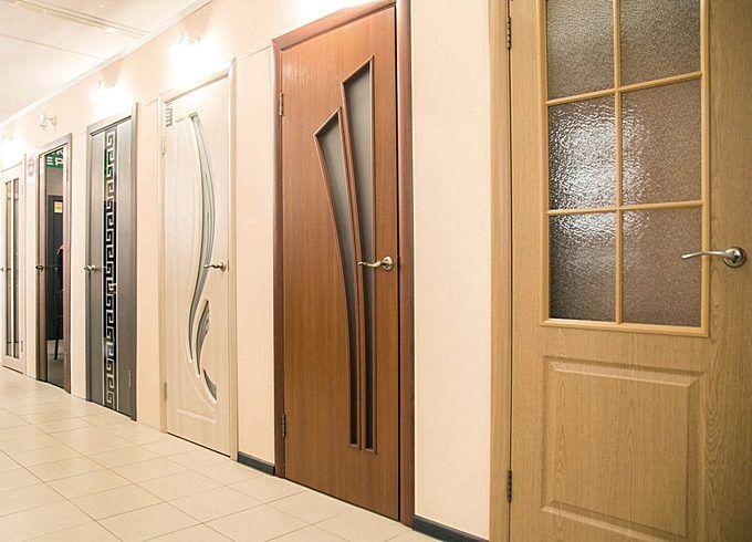 Двери из искуственных материалов