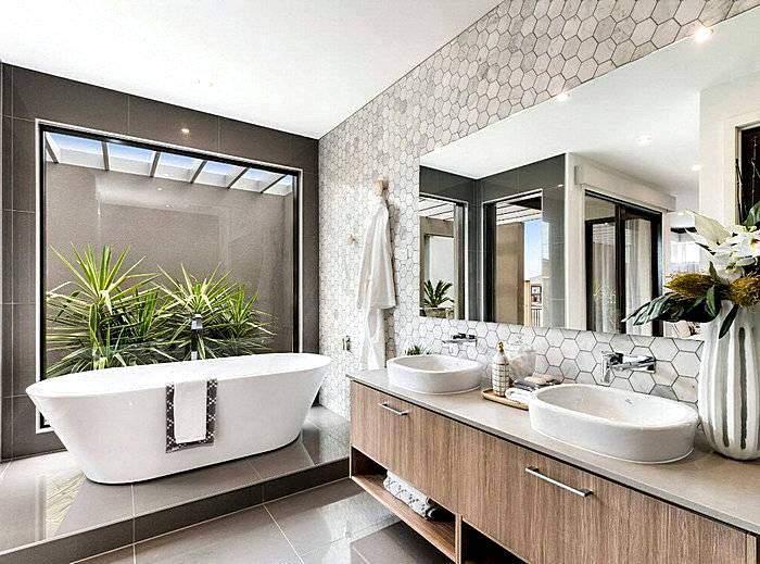 Ванная комната с отделкой оригинальной плиткой