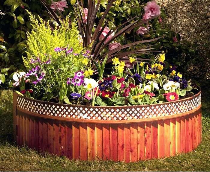 Клумба для цветов из дерева