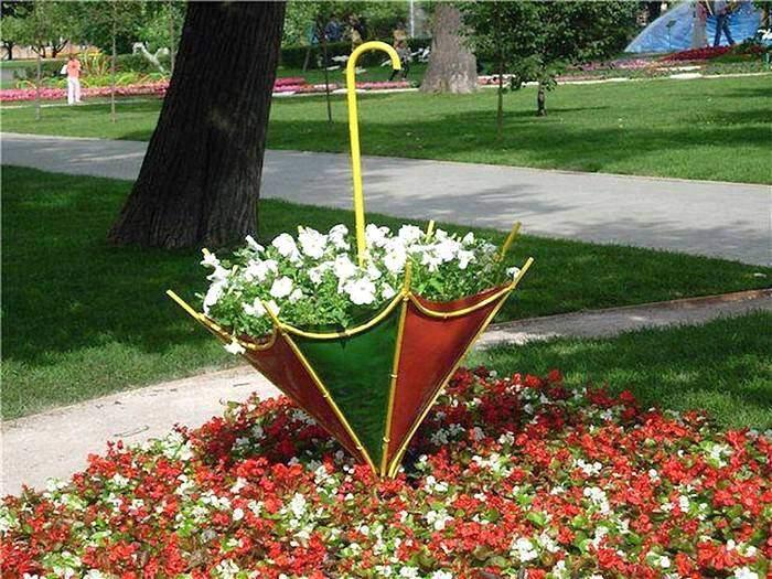 Клумба для цветов в виде зонта