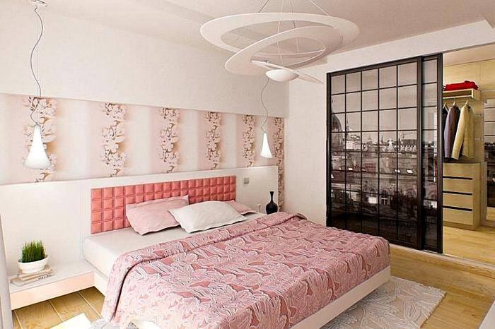 Спальная комната в розовых тонах
