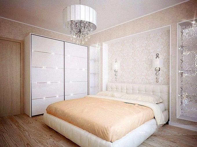 Дизайн спальни в бежевых тонах со светлой мебелью