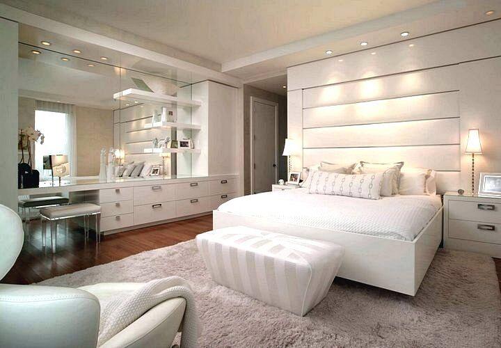 Дизайн спальни в современном стиле в светлых тонах