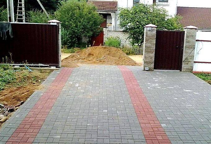 Площадка для автомобиля из тротуарной плитки