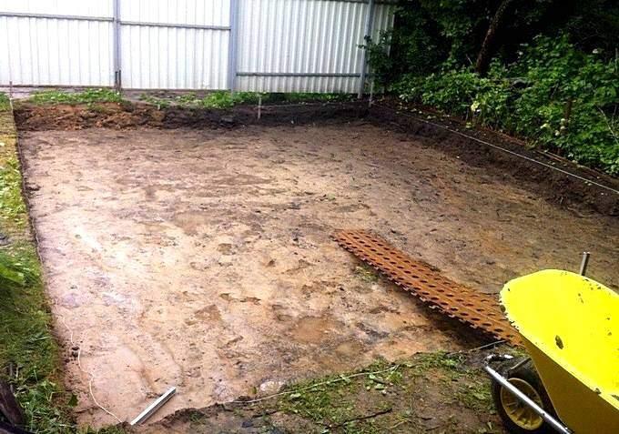 Подготовка площадки для автомобиля из щебня