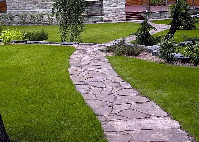 Садовая дорожка из камня-плитняка